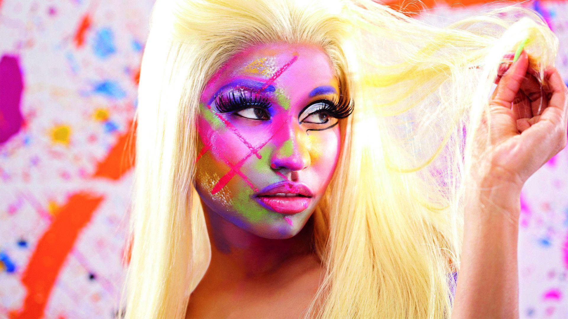How to Download Nicki Minaj Wallpaper
