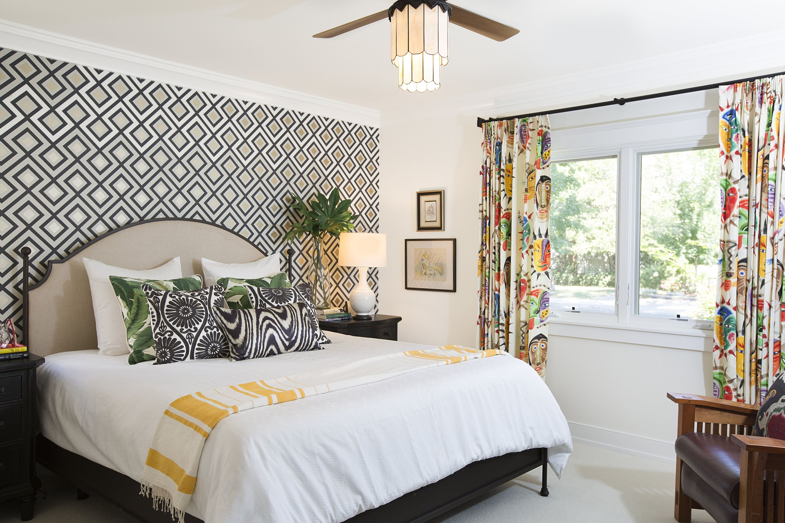 Using Wallpaper accent wall As a Statement in Your Home