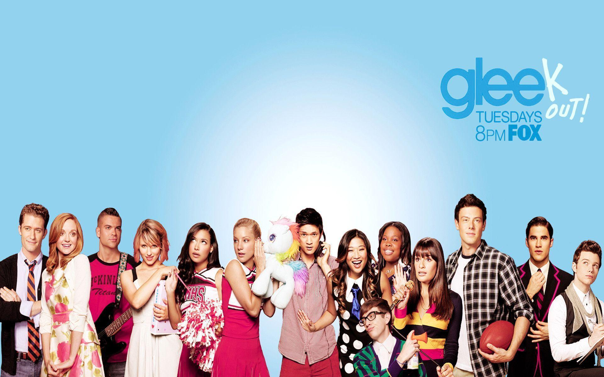 Glee Wallpaper Will Turn Your Computer Into A Showcase