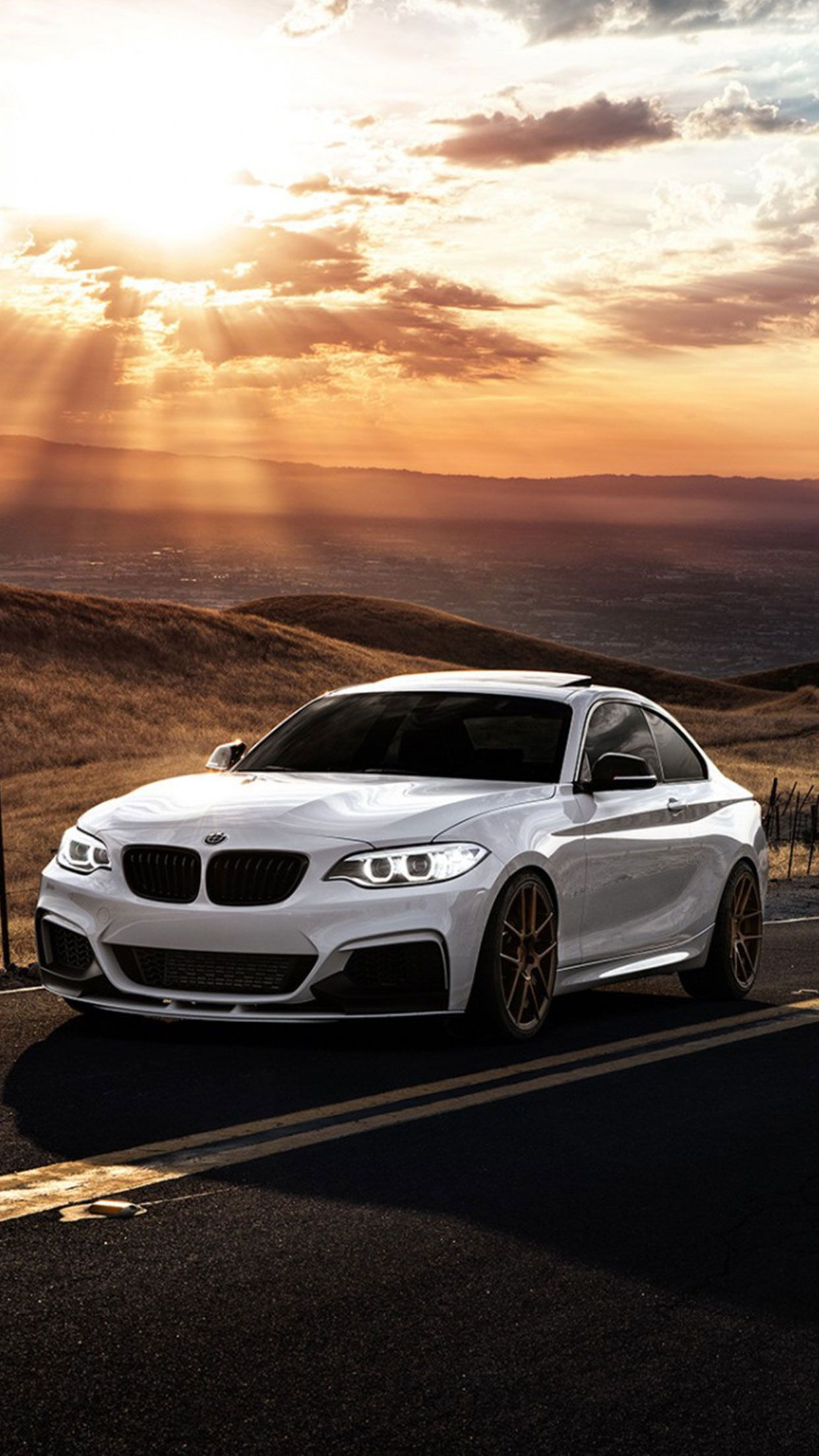 Download Free BMW Wallpaper For iPhone