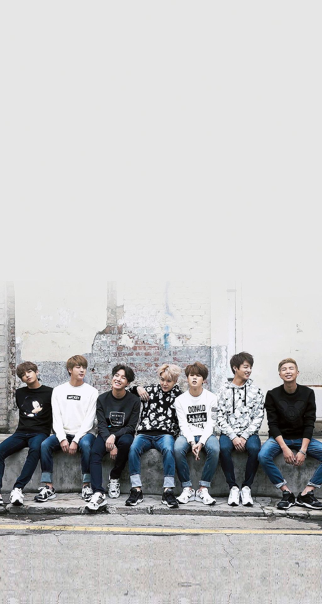 BTS Phone wallpaper – How to Decorate Your Phones With Wallpapers?