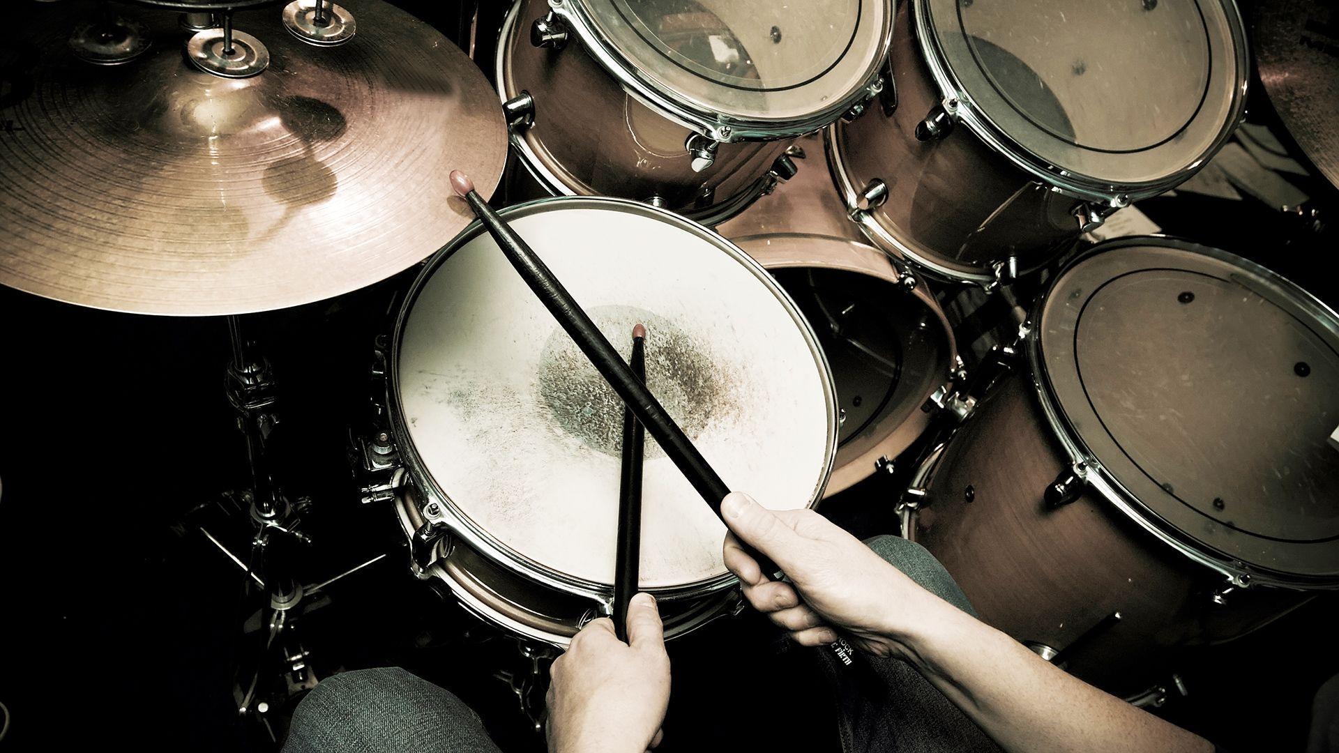 Attractive Drum Wallpaper
