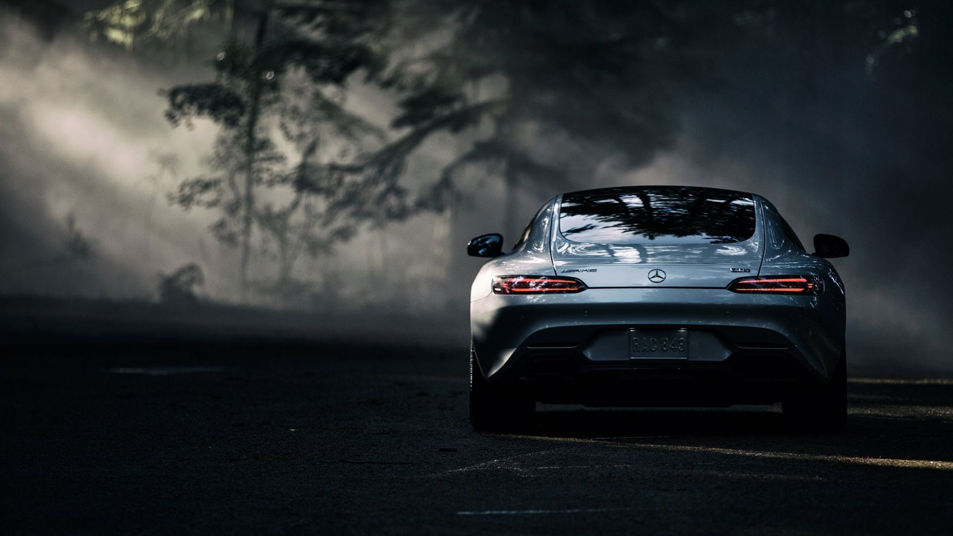 Uses of Mercedes AMG Wallpaper