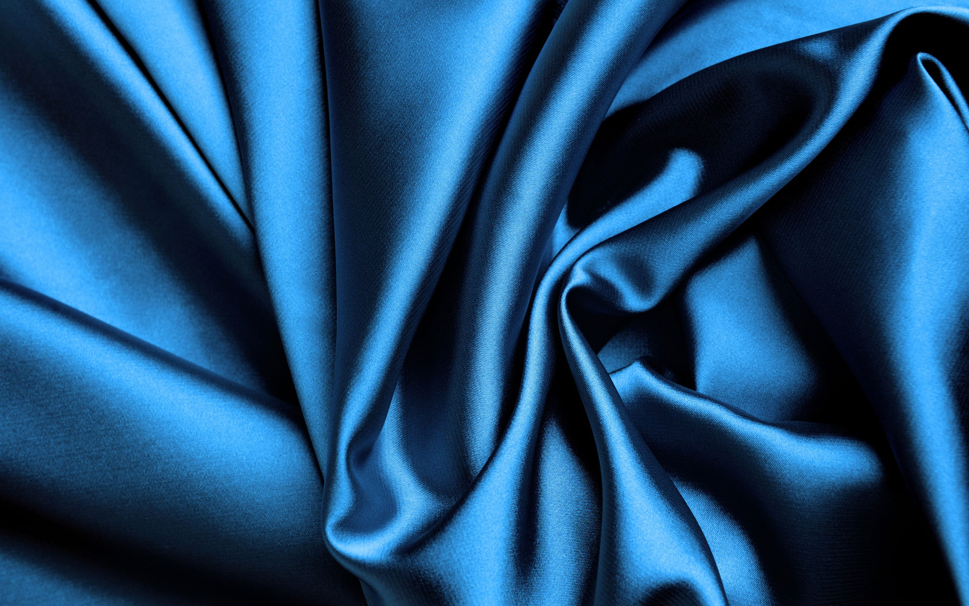 The Advantages and Disadvantages of Silk Wallpaper