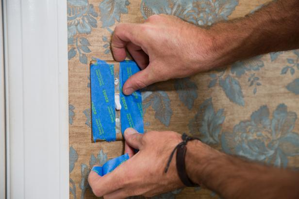 Wallpaper Removal Spray – How to Use it Effectively